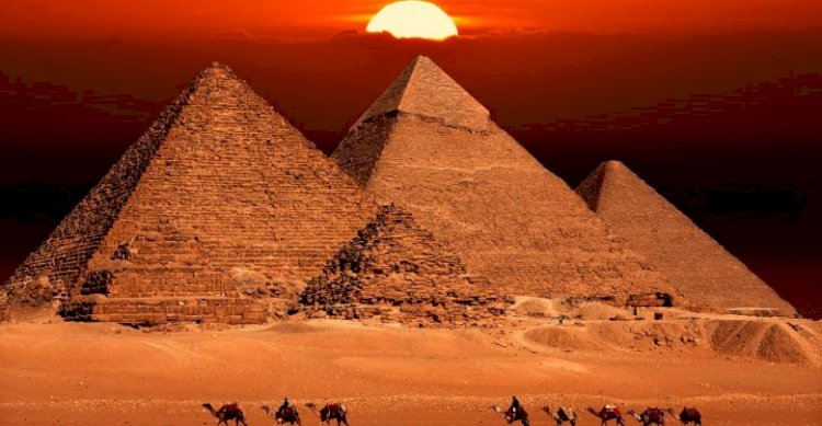 The first, and largest, pyramid at Giza was built by the pharaoh Khufu.