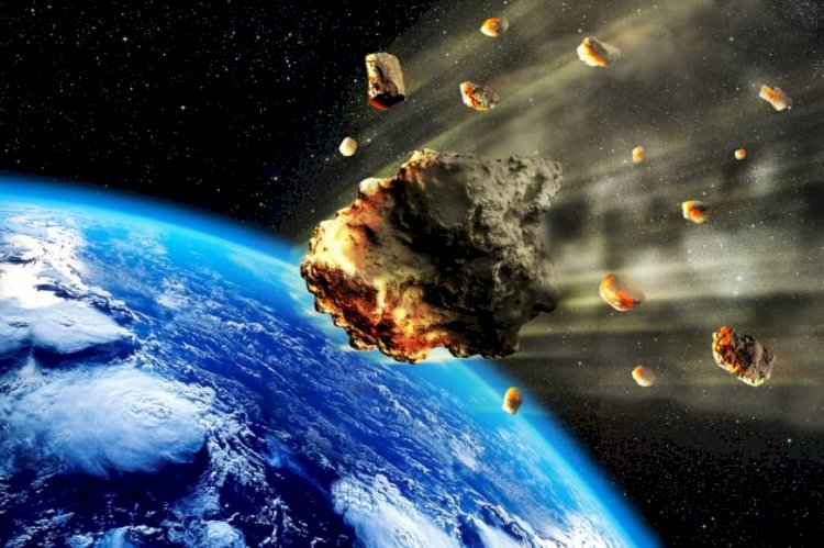 Over 500 meteorites hit the Earth each year.