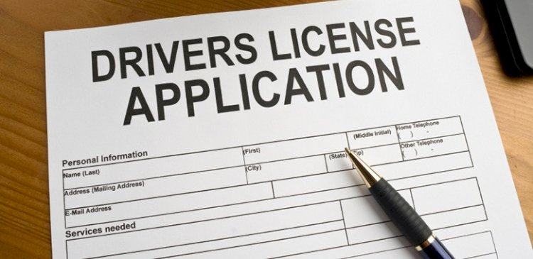 Arizona driver's licenses don't expire until you're 65. You then have to renew in person every five years.